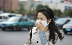 chinese-woman-with-air-mask.jpg