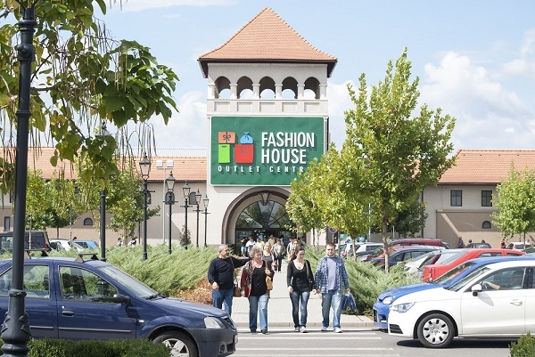 Fashion house outlet centre bucurești